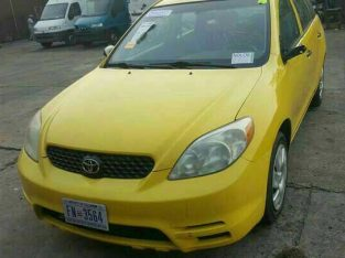 Neatly used Toyota matrix yellow colour 2004